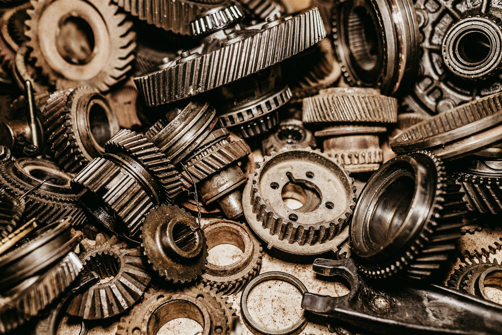 Manual Transmission: the Importance of Having Multiple Gears of Motivation